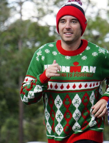 IRONMAN UGLY SWEATER - Red/Green